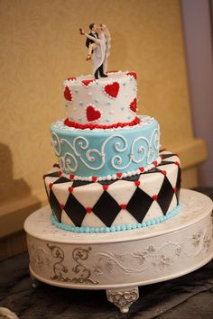 This would make a great Alice in Wonderland cake