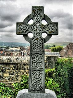 https://flic.kr/p/4owuA3 | Celtic Cross | Keltisches Kreuz in der Normandie (HDRI)