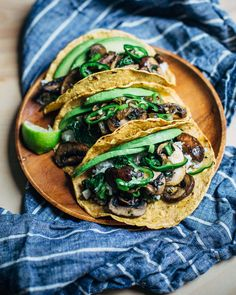 mushroom and kale tacos // brooklyn supper- pepper, avocado Vegan Recipes Videos, Fish Recipes, Appetizer Recipes, Mexican Food Recipes, Whole Food Recipes, Vegetarian Recipes, Whole30 Recipes, Savoury Recipes, Vegan