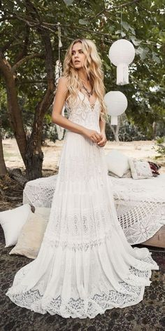nice 47 Affordable Winter Wedding Dress Ideas to Save Your Money https://viscawedding.com/2018/01/23/47-affordable-winter-wedding-dress-ideas-save-money/ #weddingdressideas