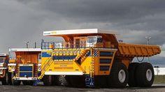 Belaz 75710 - poate cara 450 de tone, masa proprie a camionului este de 360 de tone, ceea ce înseamnă că masa totală maximă este de 810 tone.