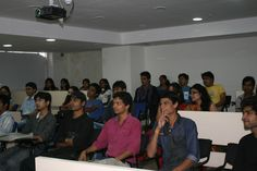 Students during workshop at Virtual Voyage.