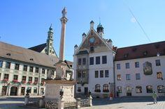 Es wurde mal wieder Zeit eine Wanderung im Norden von München zu machen. Gestern sehr hochsommerlich. So ging es mit der S-Bahn nach Fr...