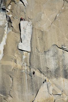 www.boulderingonline.pl Rock climbing and bouldering pictures and news Belaying atop the Bo