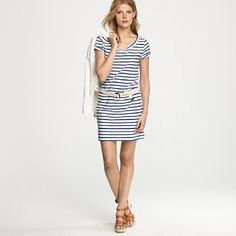 I heart stripes. All stripes. Any stripes. Big ones, little ones. They never fail to grab my eye and make me look twice.
