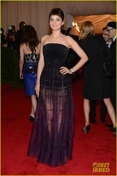 Marion Cotillard in Christian Dior at the MET ball 2012