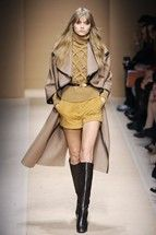 maidsofbondstreet: Abbey Lee Kershaw at Salvatore Ferragamo, Fall 2010 Abbey Lee Kershaw, Salvatore Ferragamo, Fashion Show, Fashion Outfits, Cape Coat, Classy And Fabulous, Casual Fall, Fashion Sketches, Coats For Women