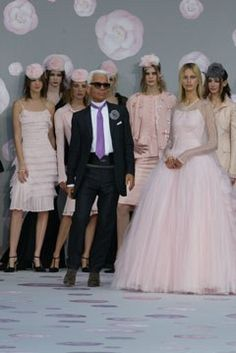 Chanel Spring 2002 Couture Fashion Show - Karl Lagerfeld at Chanel Couture