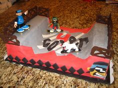 Megans Creations:  Half pipe skateboard ramp cake