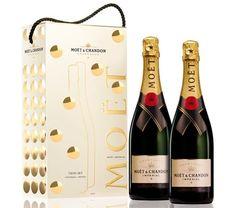 """Moët & Chandon celebra esta temporada festiva con su """"So Bubbly Limited Edition"""" Para esta ocasión especial la firma adorna su icónico Moët Impérial con una explosión de burbujas."""