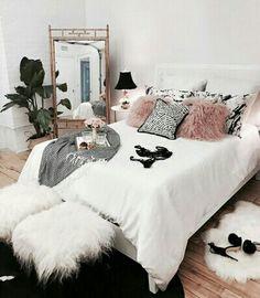 3 Terrific Tips: Minimalist Decor Bedroom Black White minimalist living room decor loft.Rustic Minimalist Bedroom Benches minimalist home ideas tips.Minimalis House Minimalist Home Interior Design. Glam Bedroom, Home Bedroom, Bedroom Ideas, Girls Bedroom, Modern Bedroom, Fashion Bedroom, Bedroom 2018, Black Bedrooms, Gothic Bedroom