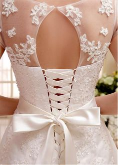 Buy discount Glamorous Tulle & Organza Bateau Neckline Natural Waistline A-line Wedding Dress With Beaded Lace Appliques at Dressilyme.com