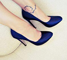 brand new 87bd1 dbadb Increibles zapatos de moda para la oficina   Colección mujer Tacones  Azules, Zapatillas De Tacón