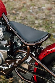Yamaha XS650 Bobber Vintage Motorcycle by Steve Simqu - Photo by Alexa Diserio for Pittsburgh Moto
