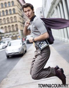 Ansel Elgort pour TOWN&COUNTRY
