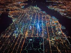 """Gotham 7.5K"" Photo Project Soars Above New York at Night  See more: http://bit.ly/1CLjQAS"