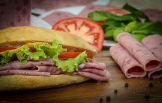 Hot Dog Buns, Hot Dogs, Hamburger, Bread, Ethnic Recipes, Food, Meal, Hamburgers, Essen