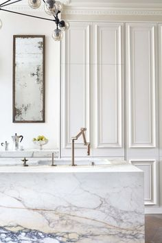 Remodeling Ideas to Steal from a Stately & Elegant London Kitchen | Apartment Therapy