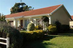 Happy, Outdoor Decor, Home Decor, Decoration Home, Room Decor, Ser Feliz, Home Interior Design, Home Decoration, Interior Design