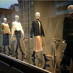 """H&M, Oxford Street, London, UK, """"Catwalk to Cover a Front Row Seat"""", for London Fashion Week, photo by The Displayer, pinned by Ton van der Veer"""