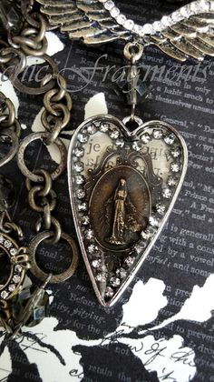 Our Lady Medal. A Little Bohemian. A Little Goth. Jewelry Crafts, Jewelry Art, Beaded Jewelry, Vintage Jewelry, Jewelry Necklaces, Handmade Jewelry, Jewelry Design, Vintage Necklaces, Antique Jewelry