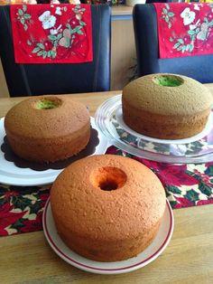 CHIFFON CAKE 77 versi Lynda Maitimu Ada beberapa rasa bisa di sajikan...selera saja kalau untuk rasa. Beberapa kali bikin Chif... Resep Sponge Cake, Resep Cake, Baking Recipes, Cookie Recipes, Dessert Recipes, Marmer Cake, Bolu Cake, Ogura Cake, Indonesian Desserts