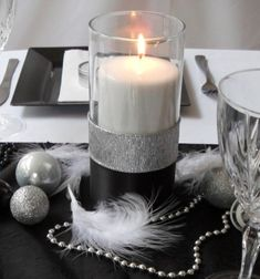 Casual Black and White Tablescapes | This show-stopper of a table cost me less than $45 and I use it every ...