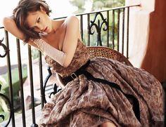 {          Vogue September 2010: 50's romance }