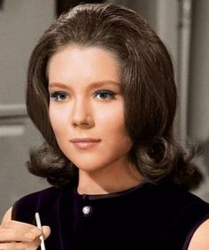 Diana Rigg Actors & Actresses, Diana, Cool Photos, Tv Shows, Cher, Beauty, Women, Cosmetology