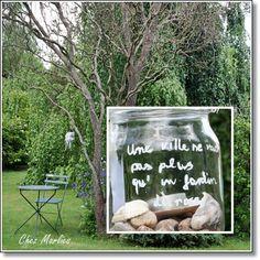 Afu dem Glas steht: Eine Stadt ist nicht mehr wert als ein Rosengarten das Zitat ist leider nicht  von mir. Aber die Idee doch schön Oder?