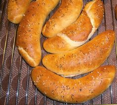 Sausage, Bread, Breakfast, Hot, Ethnic Recipes, Basket, Morning Coffee, Sausages, Breads