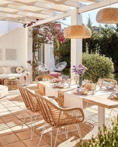 Backyard Retreat, Backyard Patio, Outdoor Spaces, Outdoor Living, Outdoor Decor, Modern Tropical House, Aztec Decor, House Design Pictures, Balkon Design