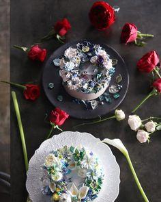 "274 Likes, 2 Comments - 청담 수케이크 (atelier soo) (@soocake_ully) on Instagram: ""ㅡ crispy & formal . soo ✨ ㅡ  #flower #cake #flowercake #partycake #birthday #weddingcake…"""