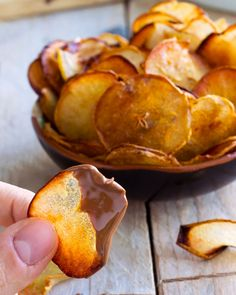 Turn fresh pears into a crunchy, good-for-you snack and take them to the next level by dipping in chocolate for a decadent and healthy treat. | eatwell101.com