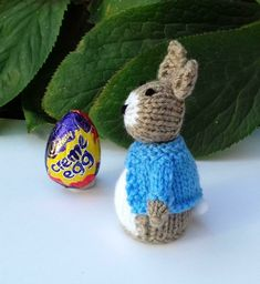Peter Rabbit - Easter Creme Egg Cover Knitting pattern by Needles & Pins Easter Crafts, Felt Crafts, Easter Ideas, Easter Gift, Happy Easter, Diy Crafts, Christmas Knitting Patterns, Knitting Patterns Free, Free Pattern