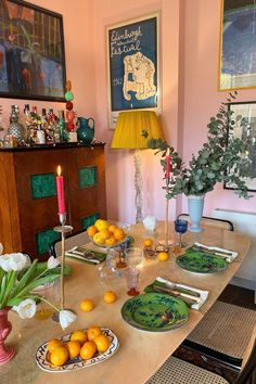 Give your feed a restyle World Of Interiors, Chinoiserie, Edward Hall, Dream Apartment, Long Beach Apartment, Cozy House, Interior And Exterior, Interior Design Kitchen, Kitchen Dining