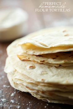 Perfect Homemade Flour Tortillas - we'll see.I've had awful luck making my own tortillas! Mexican Dishes, Mexican Food Recipes, Real Food Recipes, Dinner Recipes, Cooking Recipes, Yummy Food, Honduran Recipes, Beaux Desserts, Homemade Flour Tortillas