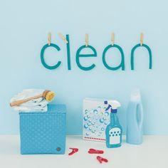 Handig mandje van Handed By met klep. Ideaal formaat om bvb.op het toilet je extra WC-rollen een plekje te geven.