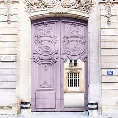 Always room for another Paris door! Enjoy the Labor Day holiday, US friends! (I'm working, of course, but great projects so no complaints )