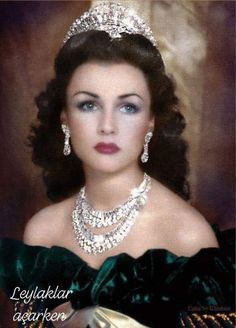 The Beautiful Queen Fawzia, Queen of Iran and Royal Princess of Egypt. If Hedy Lamarr was a queen, she would look like this; Royal Crown Jewels, Royal Crowns, Royal Tiaras, Royal Jewelry, Tiaras And Crowns, Jewellery Uk, Silver Jewellery, Fawzia Fuad Of Egypt, Steampunk Cosplay