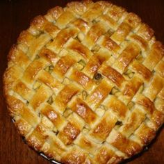 Pay de Manzana Navideño Just Cakes, Cakes And More, Chicken Salad Recipes, Pie Recipes, Pan Dulce, Apple Cake, Empanadas, Creative Food, Bakery