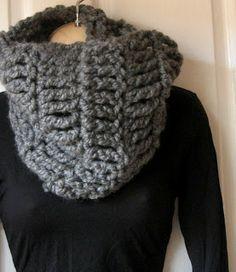 Mel P Designs: Free Super Chunky Cowl Crochet Pattern