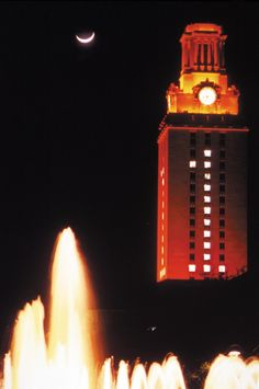 The University of Texas Tower. Learn how to orient yourself in Austin like a local! Austin Texas, Ut Longhorns, Hook Em Horns, Visitors Bureau, University Of Texas, Like A Local, Outdoor Settings, Empire State Building, Trip Planning