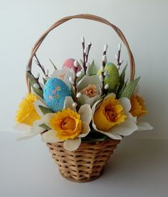 Ideas flowers crafts easter for 2019 Bunny Crafts, Flower Crafts, Easter Crafts, Easter Ideas, Hoppy Easter, Easter Candy, Easter Flower Arrangements, Wedding Gift Baskets, Easter Tree