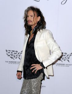 Steven Tyler Photos - Musician Steven Tyler attends The Humane Society of the United States' to the Rescue Gala at Paramount Studios on May 7, 2016 in Hollywood, California. - The Humane Society of the United States' To The Rescue Gala - Red Carpet