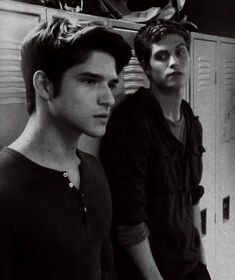 Find images and videos about teen wolf, tyler posey and scott mccall on We Heart It - the app to get lost in what you love. Teen Wolf Scott, Teen Wolf Mtv, Teen Wolf Boys, Teen Wolf Isaac, Scott Mccall, Daniel Sharman Teen Wolf, Meninos Teen Wolf, Teen Wolf Ships, Wolf Love