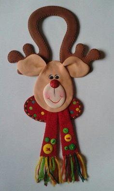 Felt Christmas Decorations, Christmas Ornament Crafts, Christmas Crafts For Kids, Christmas Items, Felt Ornaments, Christmas Projects, Felt Crafts, Holiday Crafts, Christmas Holidays