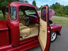 Vintage Pickup Trucks, Classic Pickup Trucks, Chevrolet 3100, Chevrolet Trucks, 53 Chevy Truck, Gmc Pickup, Jeep Willys, Truck Interior, Chevy Pickups