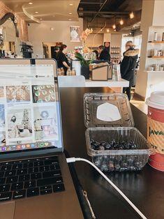 School Motivation, Study Motivation, Coffee Study, Medicine Student, Stationary School, Study Pictures, Study Organization, Study Space, Foto Instagram