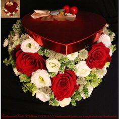 #heart #flowers #box #flowersbox #giftbox #flowersinabox #floriincutie #cutiecuflori #inima #red #roses #green #cadou #sayitwithflowers #madewithjoy #paulamoldovan #livadacuvisini #colors #happyflorist #bucuresti #bucharest Flower Quotes, Bucharest, Mai, Red Roses, Desserts, Heart, Green, Tailgate Desserts, Deserts